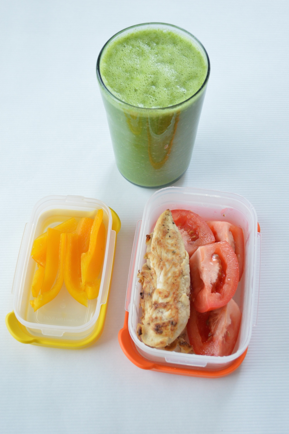 Green Smoothie To-Go | Yellow Bell Pepper | Pan Baked Chicken Tenders + Tomato