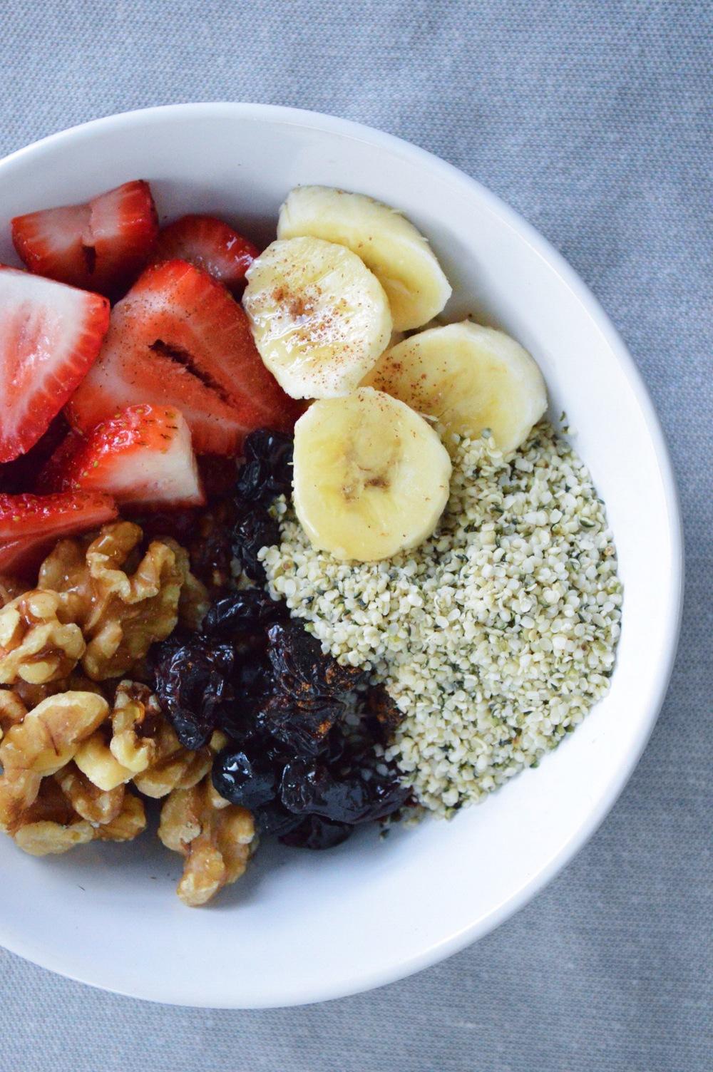 Fresh-Fruit-Superfood-Breakfast-Bowl-LaurenSchwaiger-Blog.jpg