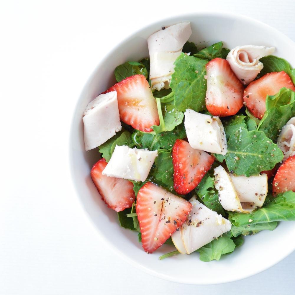 The-Perfect-Pre-Workout-Salad-LaurenSchwaiger-Blog.jpg