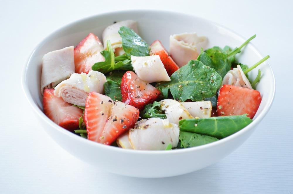 LaurenSchwaiger-Blog-The-Perfect-Pre-Workout-Salad.jpg