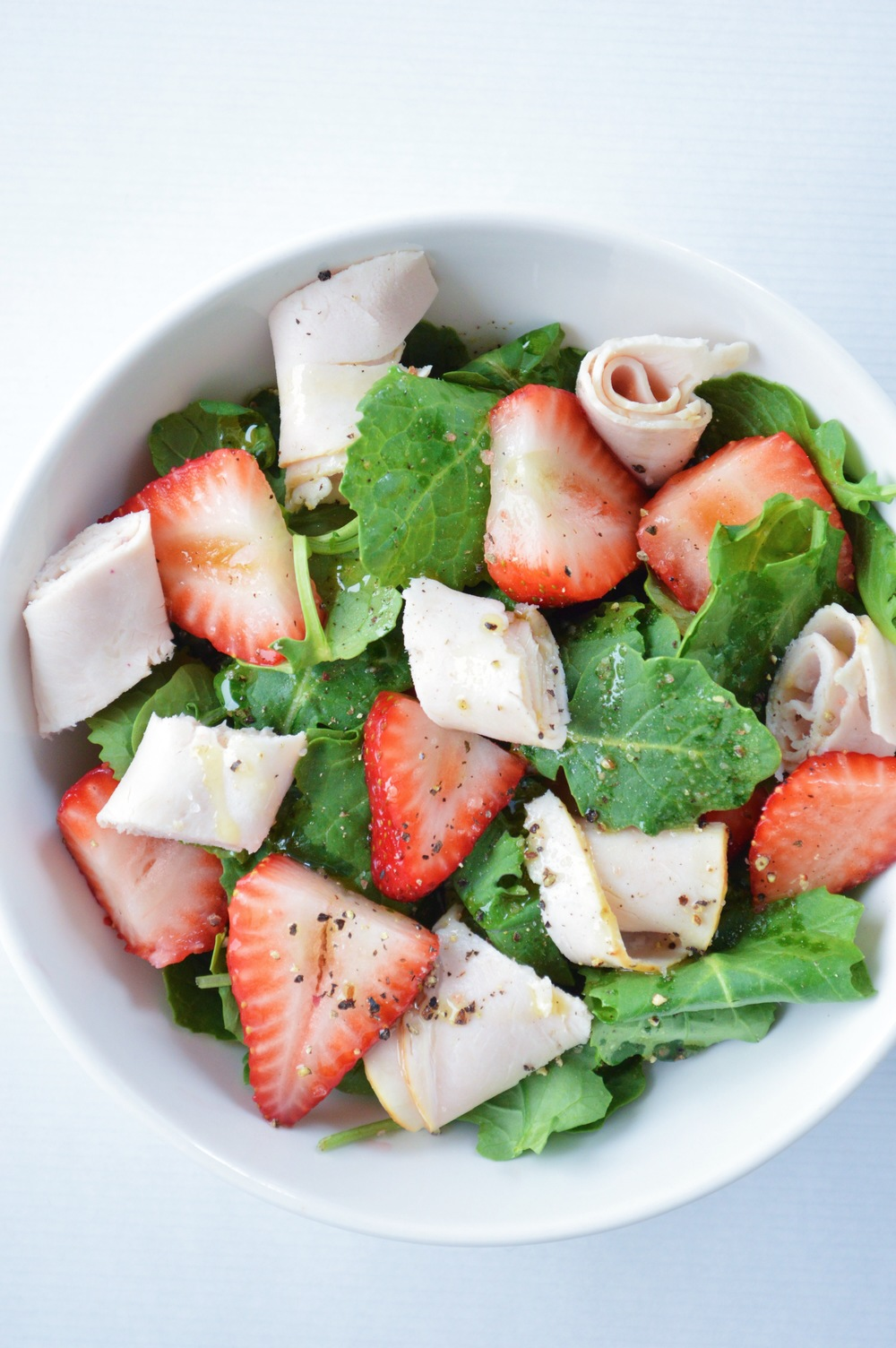 LaurenSchwaiger-Health-Fitness-Blog-The-Perfect-Pre-Workout-Salad.jpg