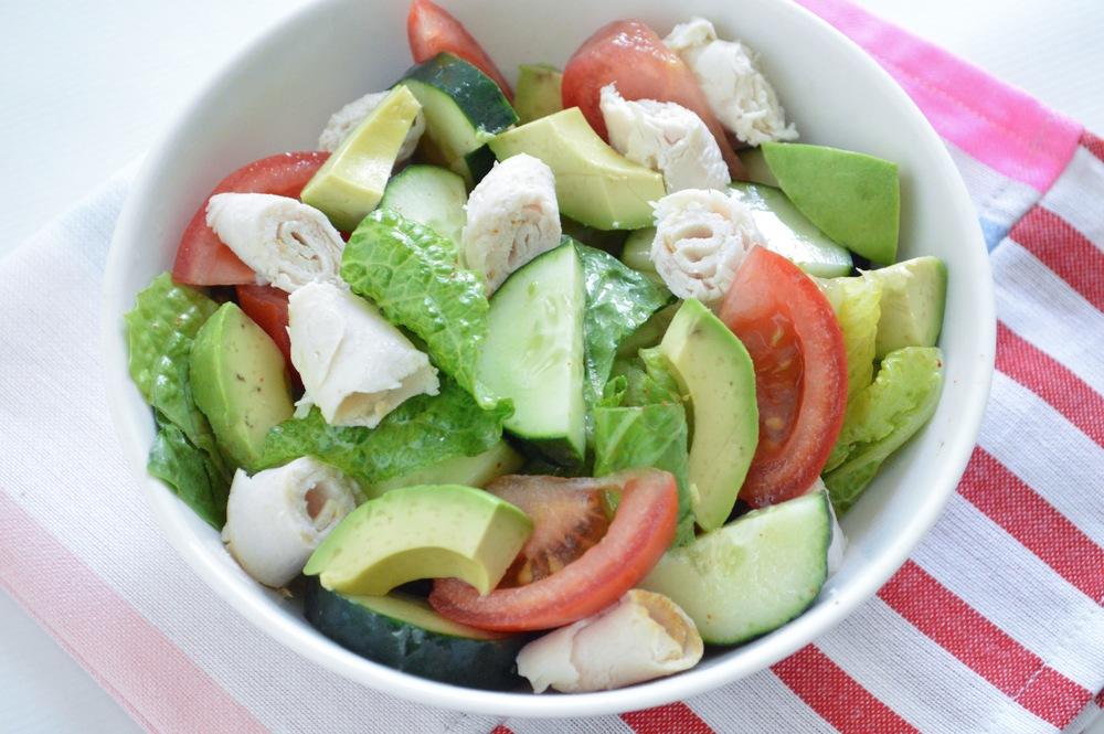 LaurenSchwaiger-Blog-Summer-Salad-Clean-Eating.jpg