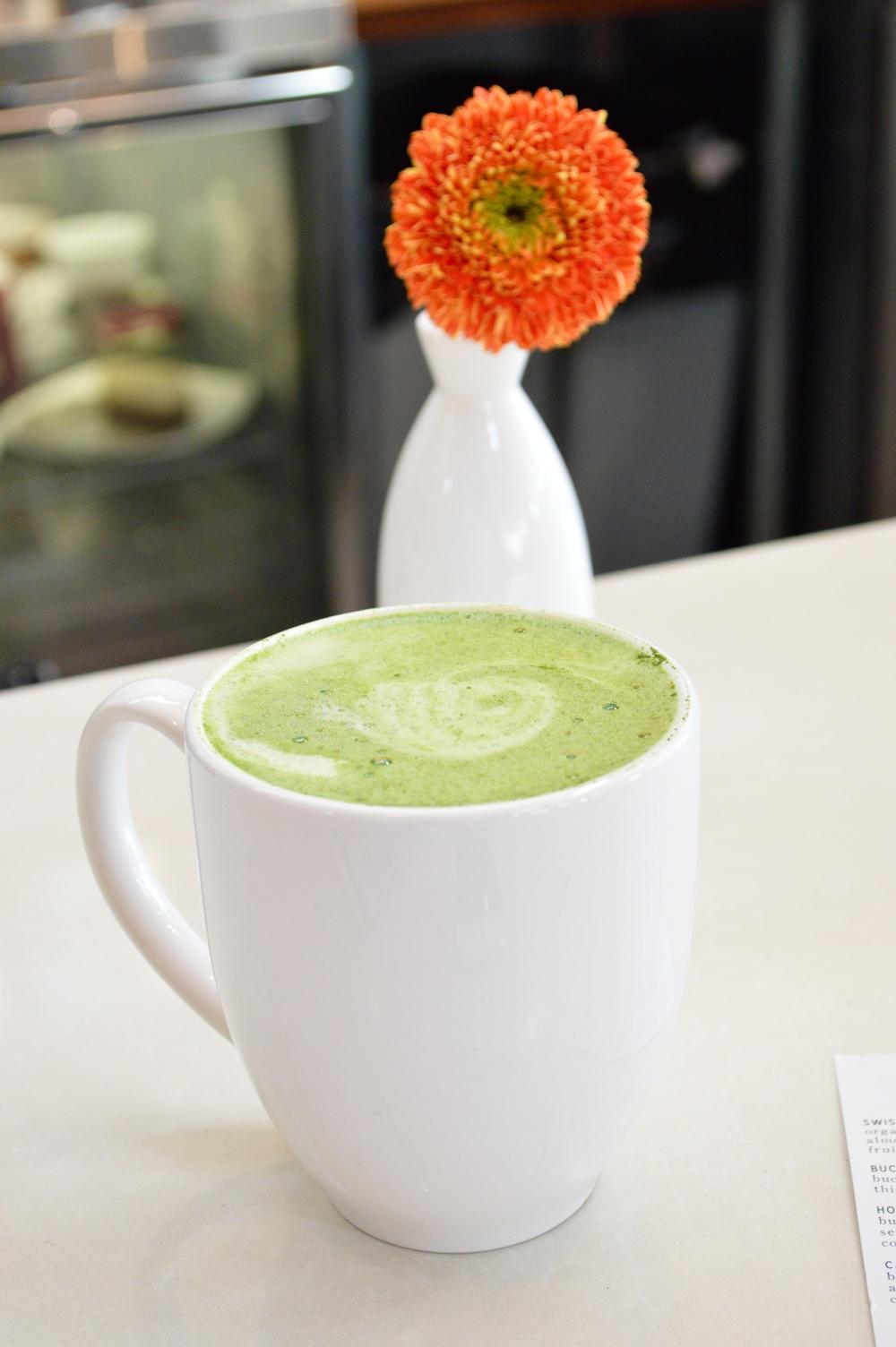 LaurenSchwaiger-Blog-LunasLivingKitchen-Matcha-Tea-Latte.jpg