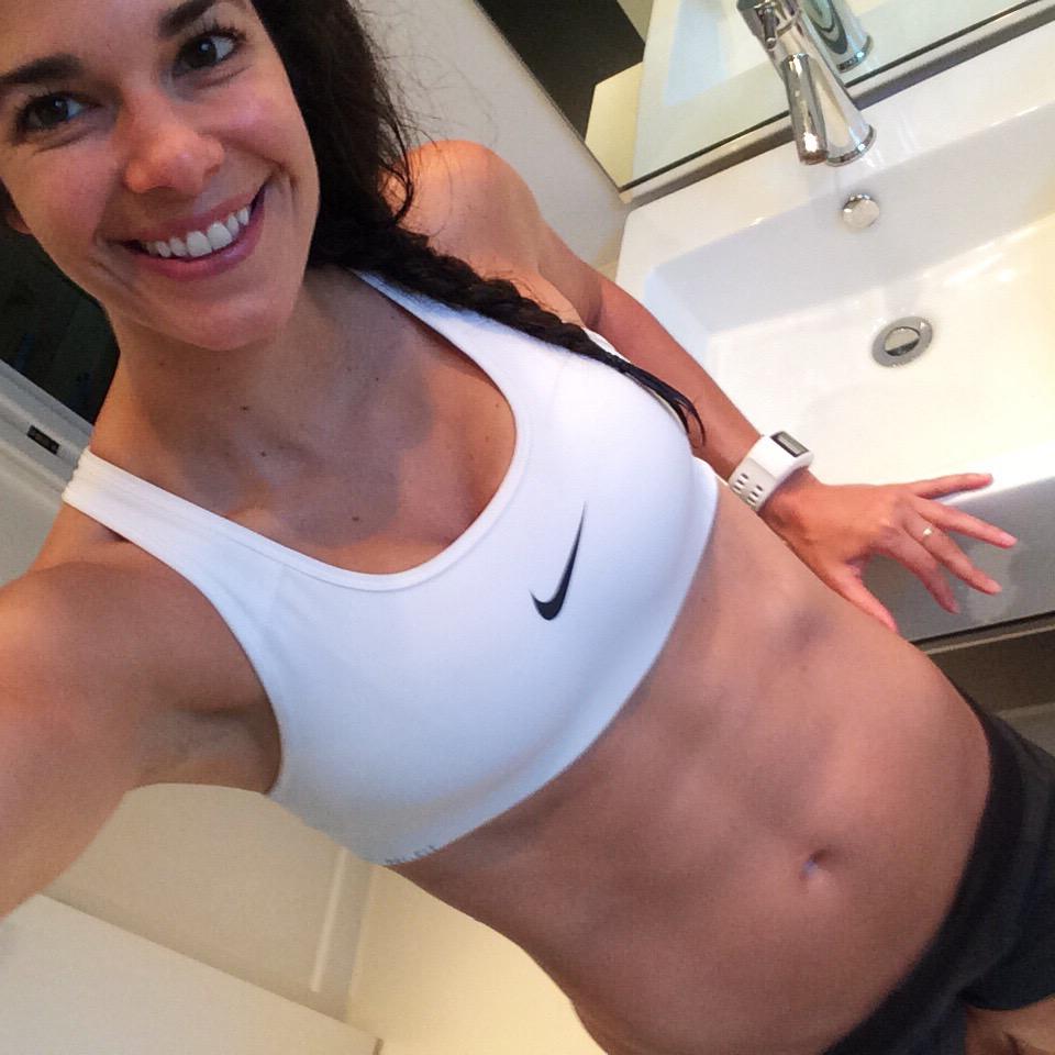 LaurenSchwaiger-Health-Fitness-Blog-Abs-FitSpo.jpg