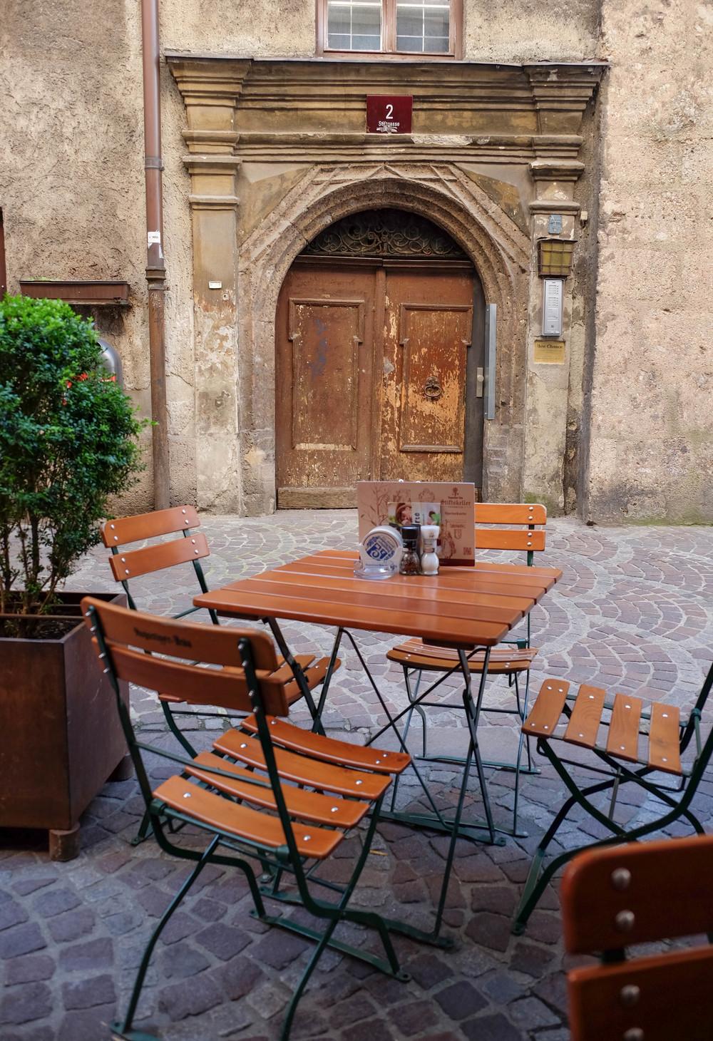 LaurenSchwaiger-Travel-Blog-Austria-Innsbruck-Altstadt.jpg