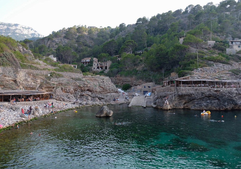 LaurenSchwaiger-Travel-Blog-Mallorca-Spain-Cala-Deia-Beach.jpg