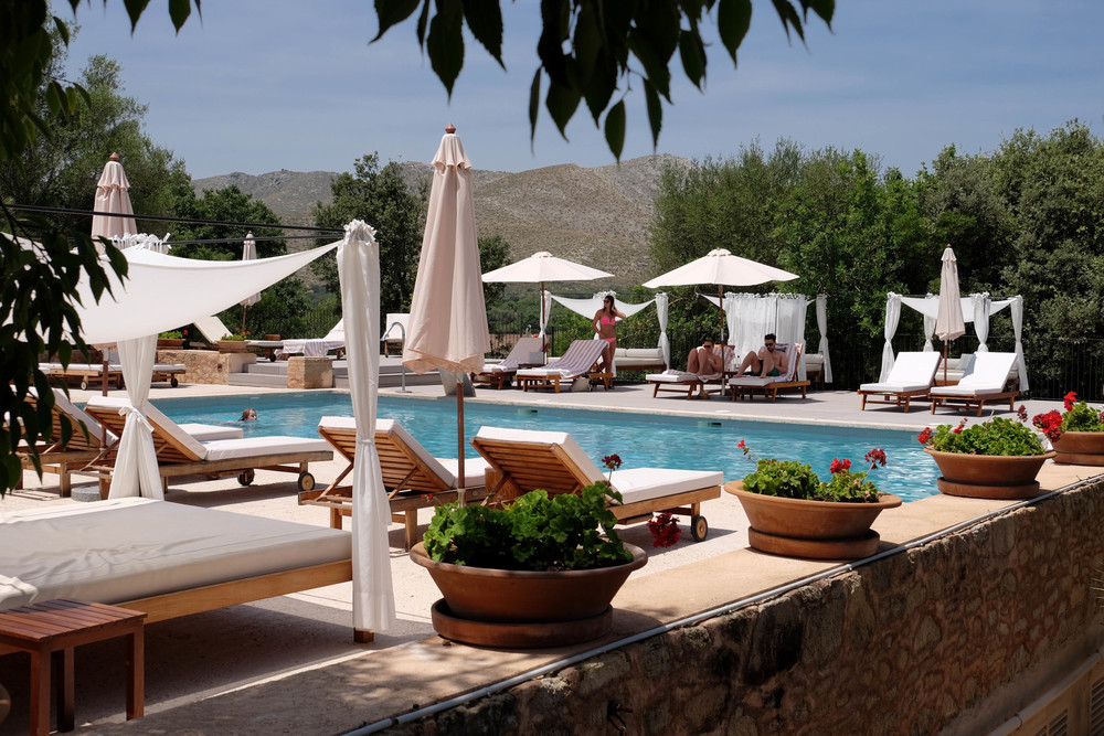 LaurenSchwaiger-Travel-Blog-Mallorca-Spain-Hotel-Predi-Son-Jaumell-Pool.jpg
