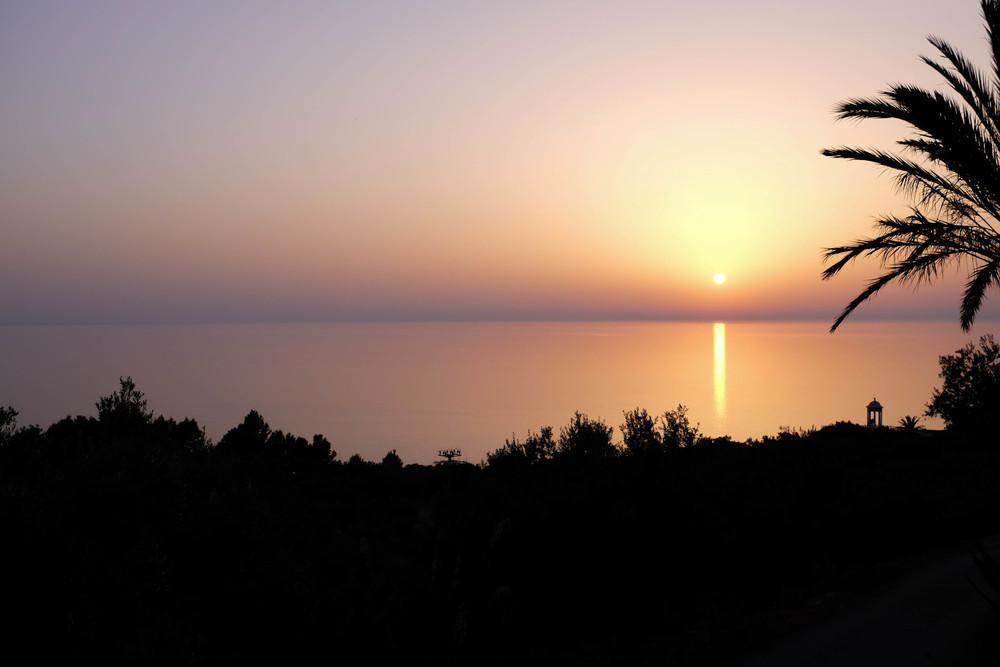 LaurenSchwaiger-Travel-Blog-Mallorca-Spain-Cala-Deia-Sunset.jpg