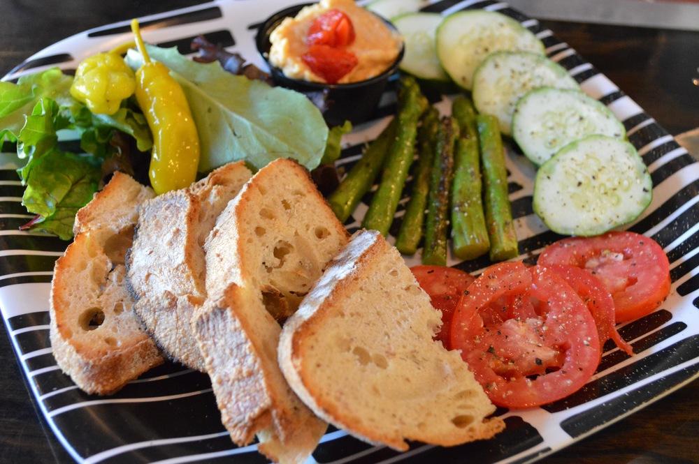 LaurenSchwaiger-Life-Style-Blog-RVA-Lamplighter-Roasting-Company-Hummus-Plate.jpg