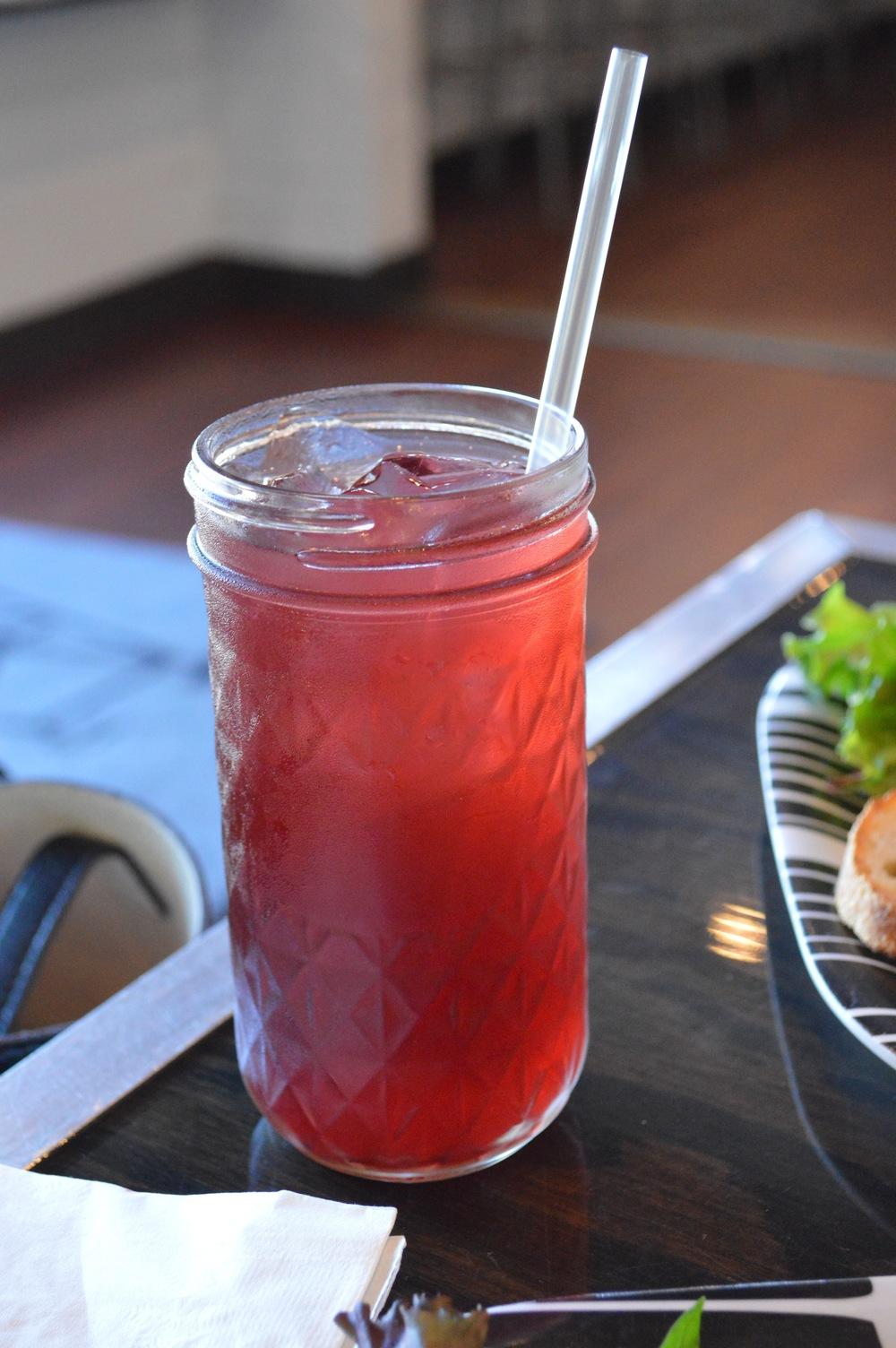 LaurenSchwaiger-Life-Style-Blog-RVA-Lamplighter-Roasting-Copmany-Ginger-Iced-Tea.jpg