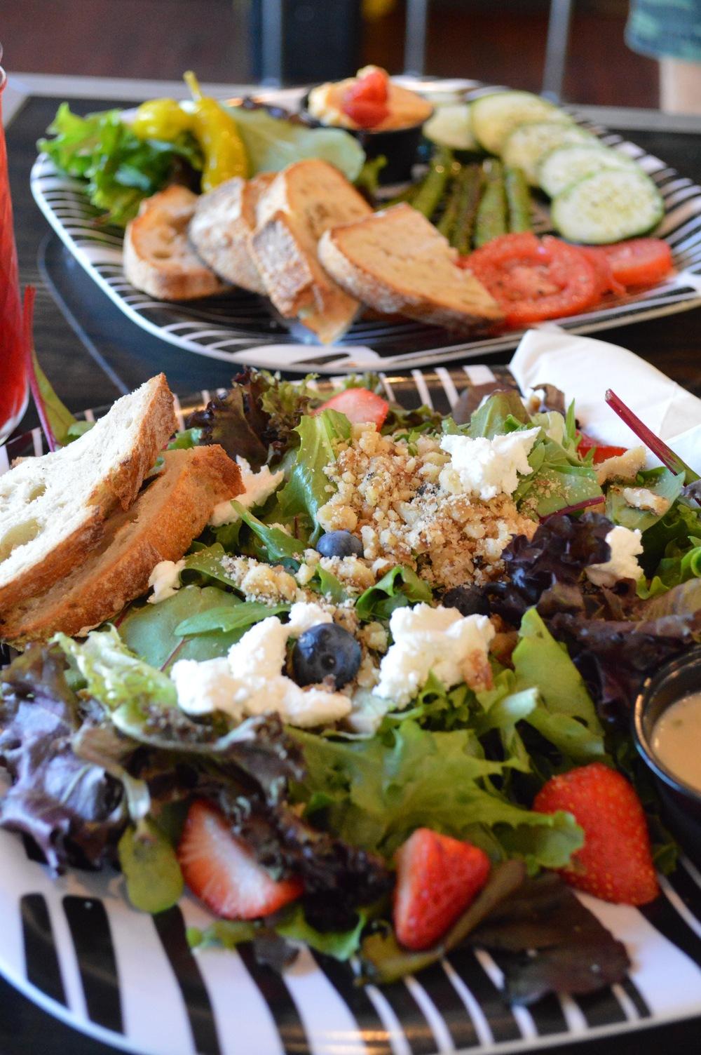 LaurenSchwaiger-Life-Style-Blog-RVA-Lampligher-Roasting-Company-Salad.jpg