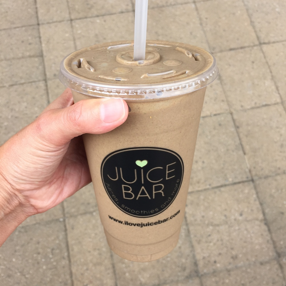 LaurenSchwaiger-Life-Style-Blog-CLT-NC-Juice-Bar-Cacao-Banana-Smoothie.jpg
