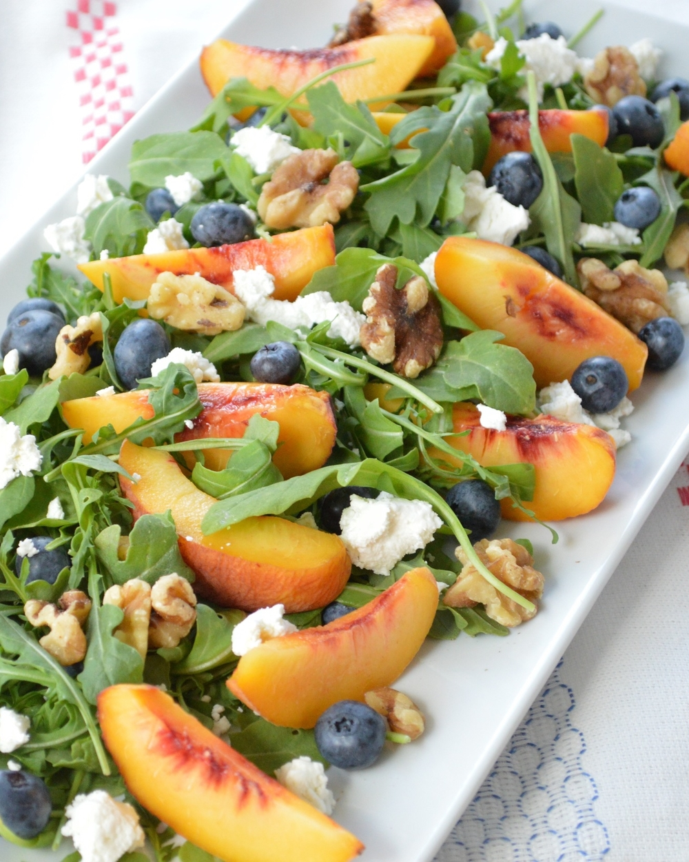 LaurenSchwaiger-Life-Style-Blog-Arugala-Peach-Blueberry-Summer-Salad.jpg