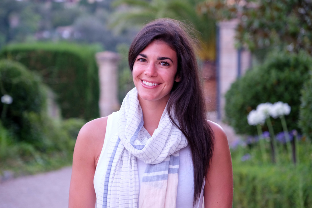 LaurenSchwaiger-Travel-Blog-Mallorca-Spain-Summer-Style-Scarf-Urban-Outfitters.jpg