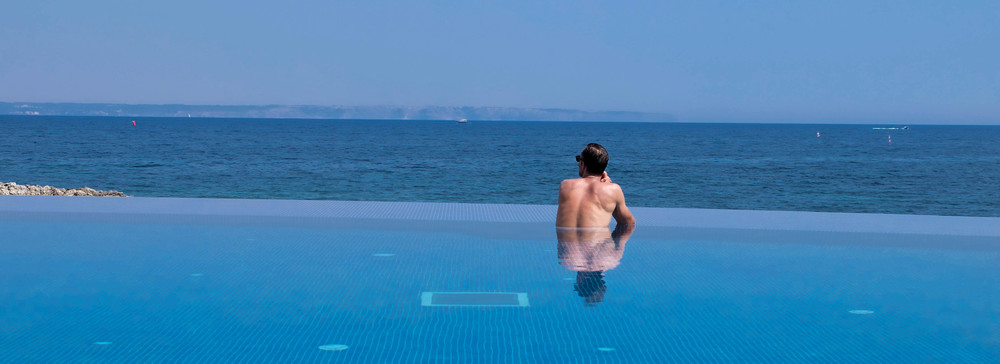 LaurenSchwaiger-Travel-Blog-Mallorca-Spain-Hospes-Maricel-Hotel-Pool.jpg