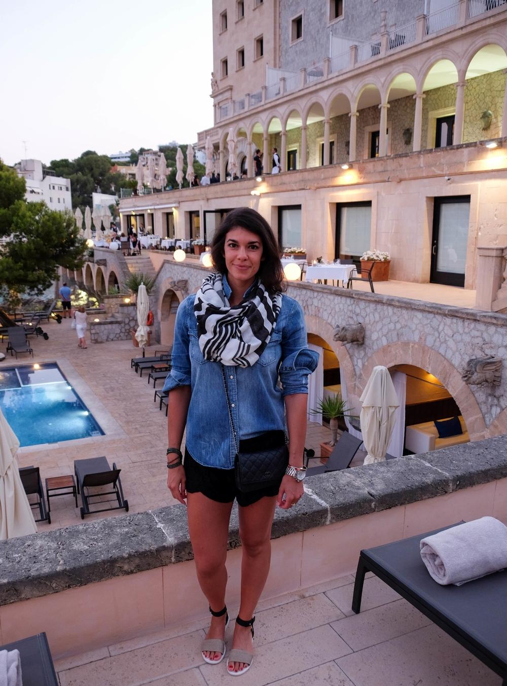 LaurenSchwaiger-Travel-Blog-Mallorca-Spain-OOTN-Hospes-Maricel-Hotel.jpg