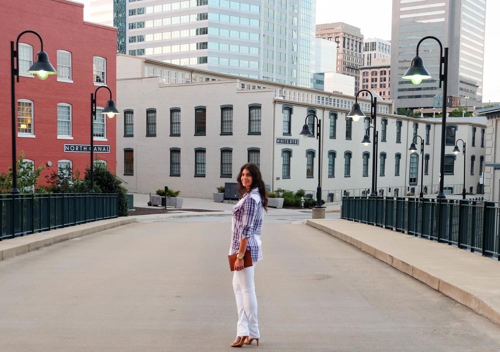 LaurenSchwaiger-Life-Style-Blog-White-Blue-Summer-Style.jpg