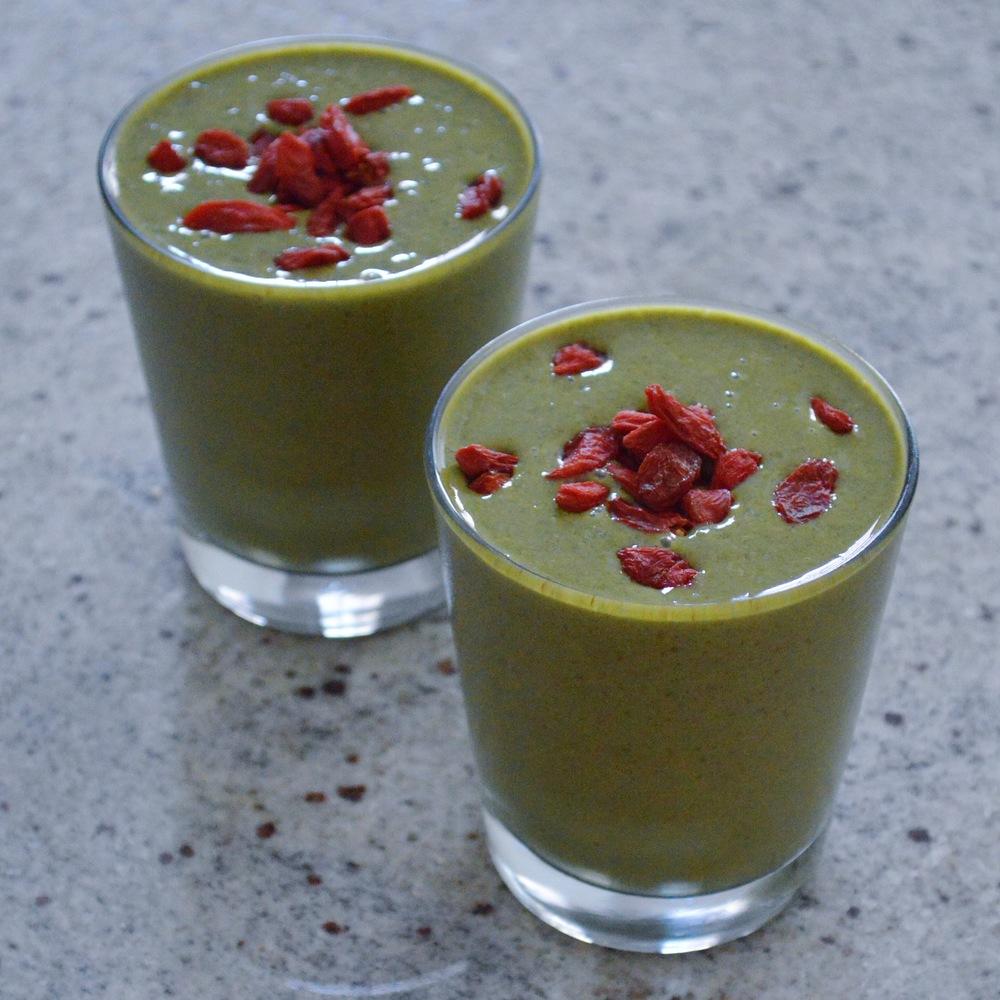 LaurenSchwaiger-Life-Style-Blog-Green-Smoothie.jpg