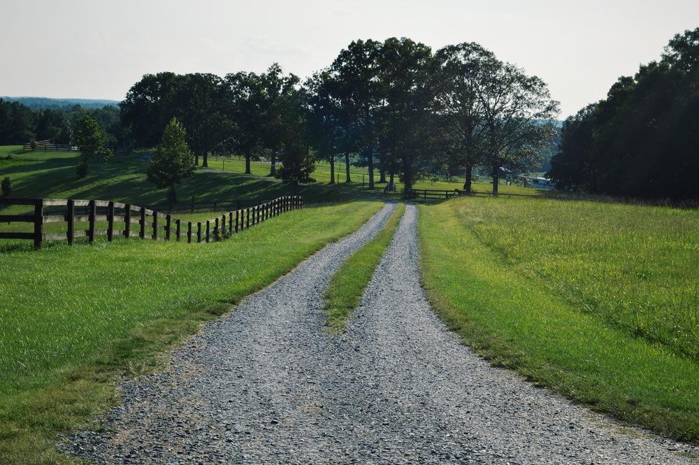 LaurenSchwaiger-Life-Style-Blog-Countryside-VA.jpg
