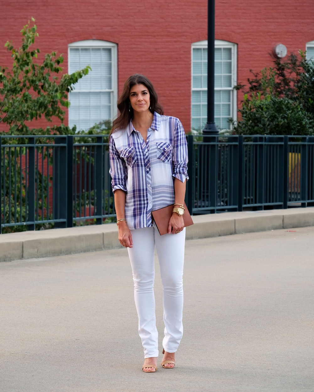 LaurenSchwaiger-Life-Style-Blog-OOTD-Rails-Summer-Plaid-White-Blue.jpg