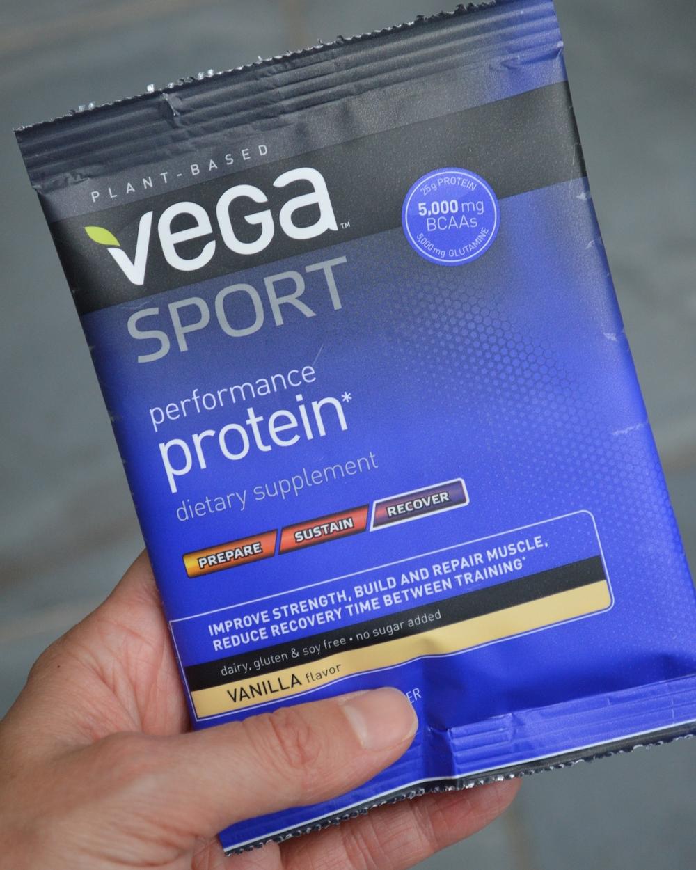 LaurenSchwaiger-Health-Fitness-Blog-Vega-Sport-Performance-Protein-Pack.jpg