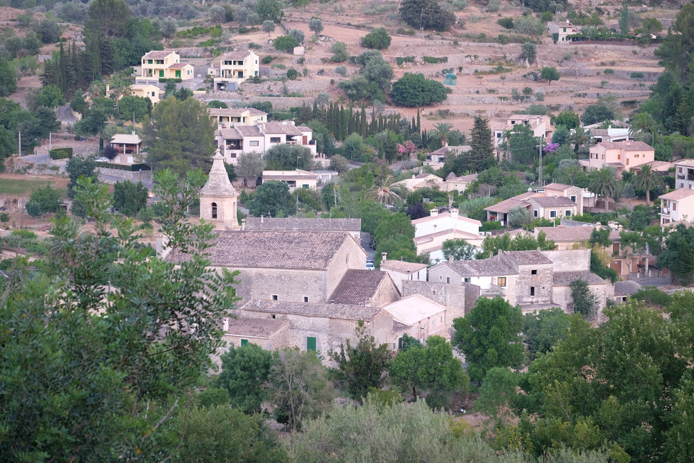 LaurenSchwaiger-Travel-Blog-Mallorca-Puigpunyent-Spain.jpg