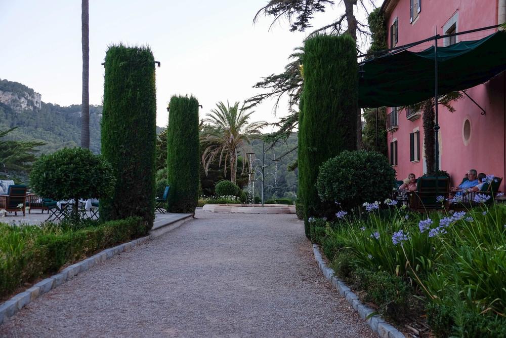 LaurenSchwaiger-Travel-Blog-Mallorca-Spain-Gran-Hotel-Son-Net.jpg