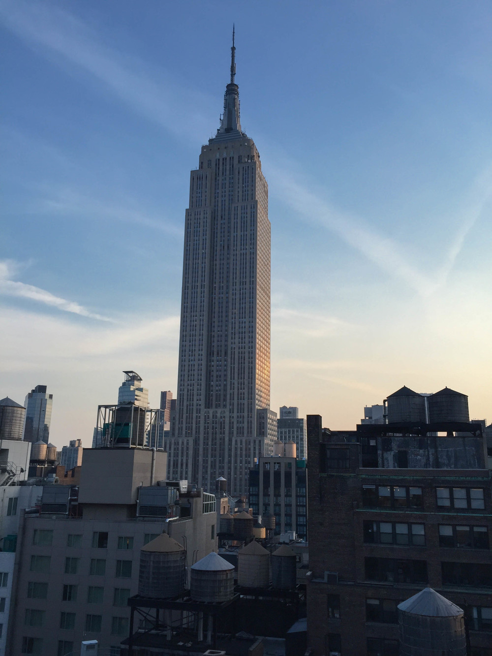 LaurenSchwaiger-Life-Style-Travel-Blog-Empire-State-Building.jpg