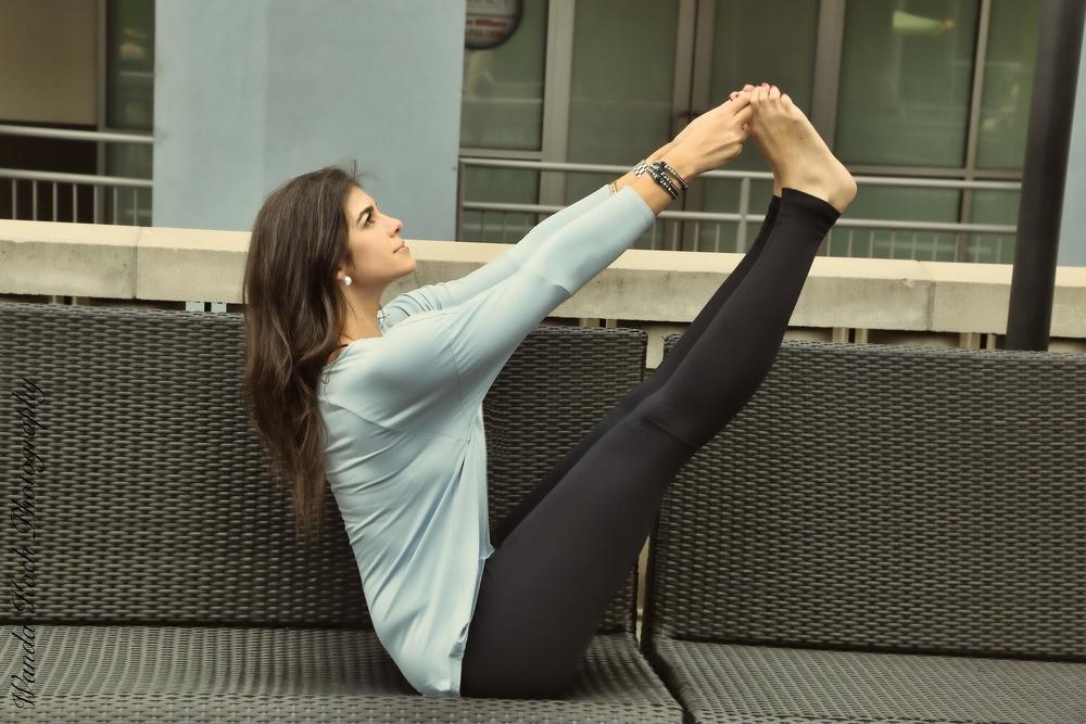 LaurenSchwaiger-Active-Life-Style-Blog-HAVEN-Collective-Yoga-Activewear.jpg