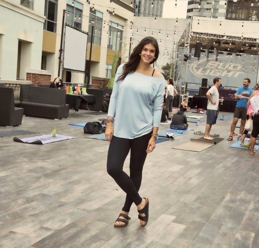 LaurenSchwaiger-Active-Life-Style-Blog-HAVEN-Collective-Yoga-Athleisure.jpg