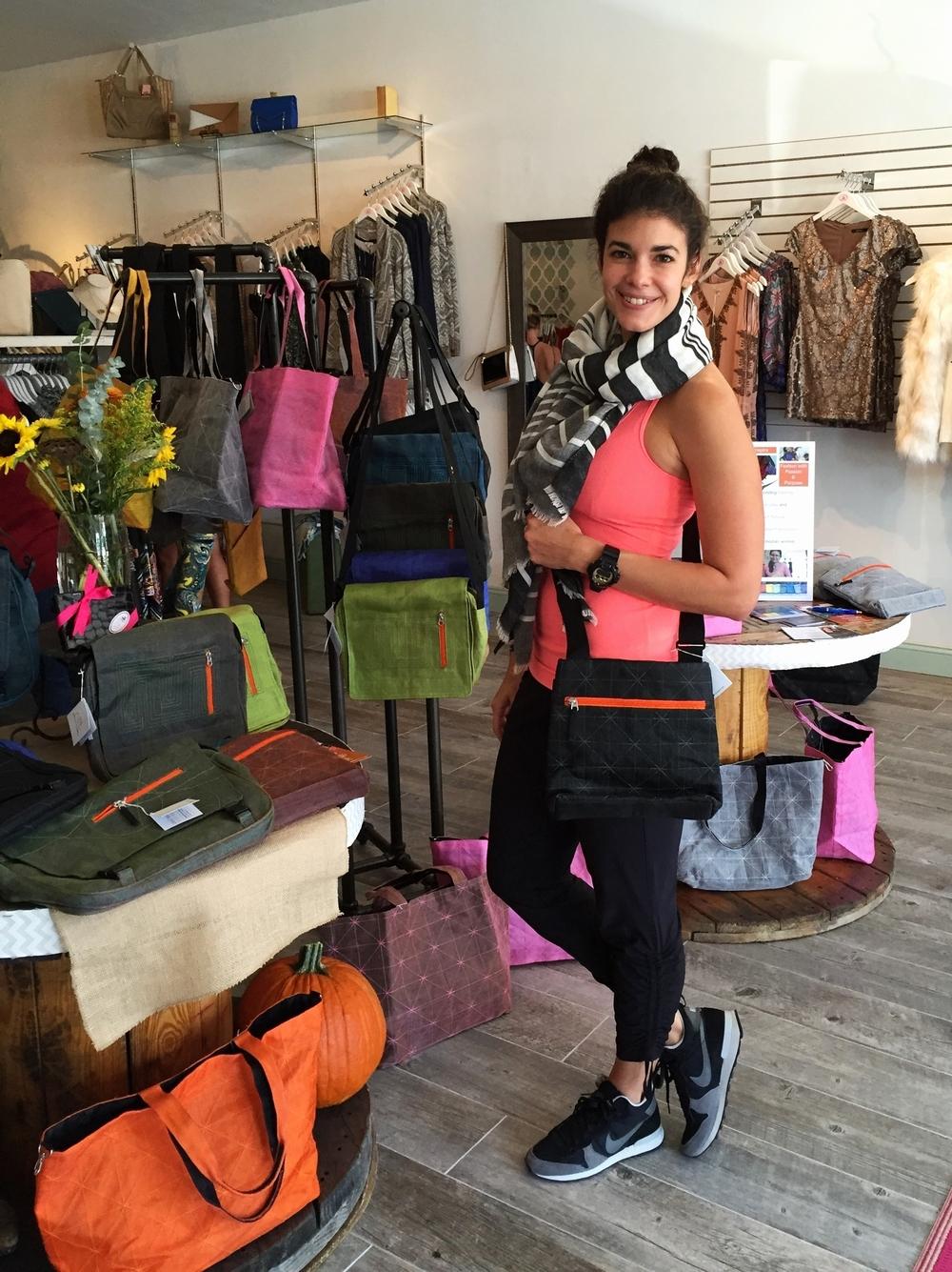 LaurenSchwaiger-Active-Life-Style-Blog-NET-Effects-Traders-Crossbody-Bag.jpg