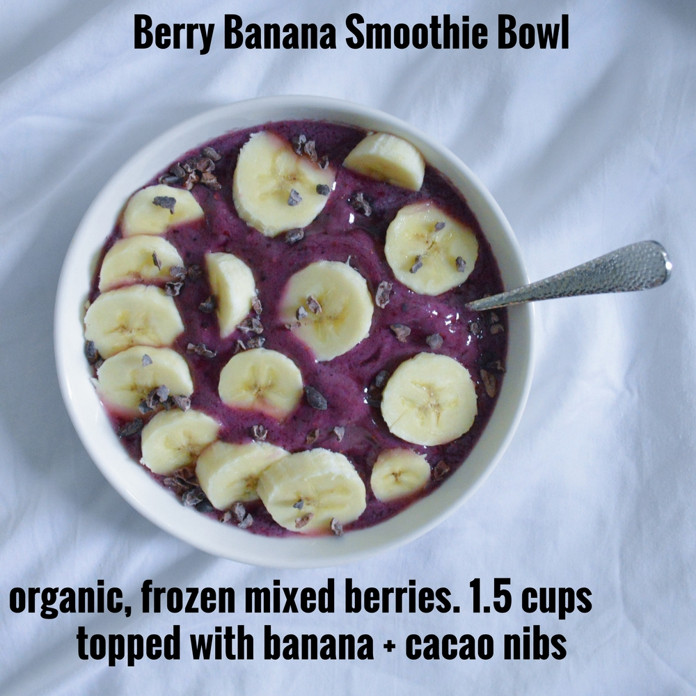 LaurenSchwaiger-Life-Style-Blog-Berry-Banana-Smoothie-Bowl.jpg