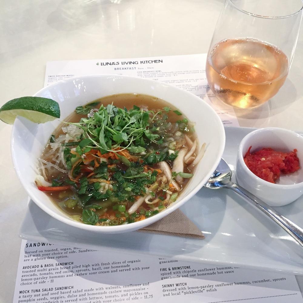 LaurenSchwaiger-Life-Style-Blog-Lunas-living-kitchen-Vietnamese-Pho.jpg