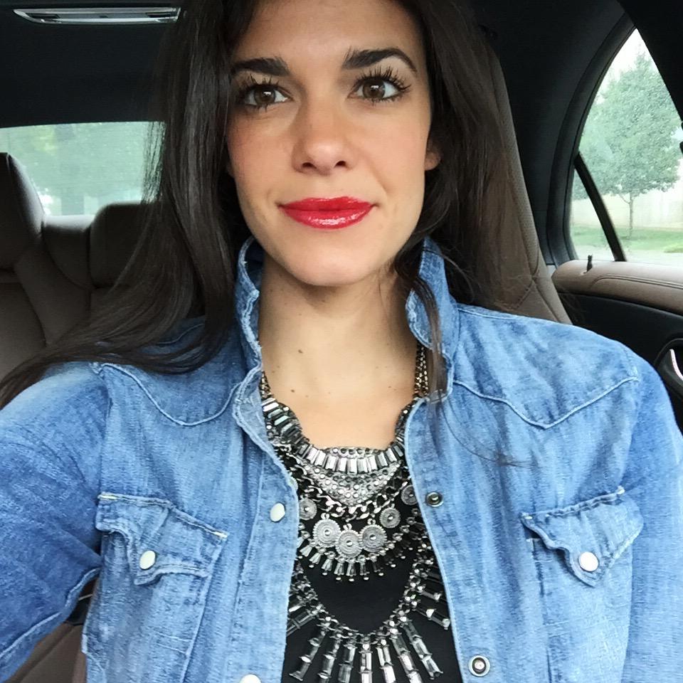 LaurenSchwaiger-Life-Style-Blog-Mirina-Collections-Statement-Necklace.jpg