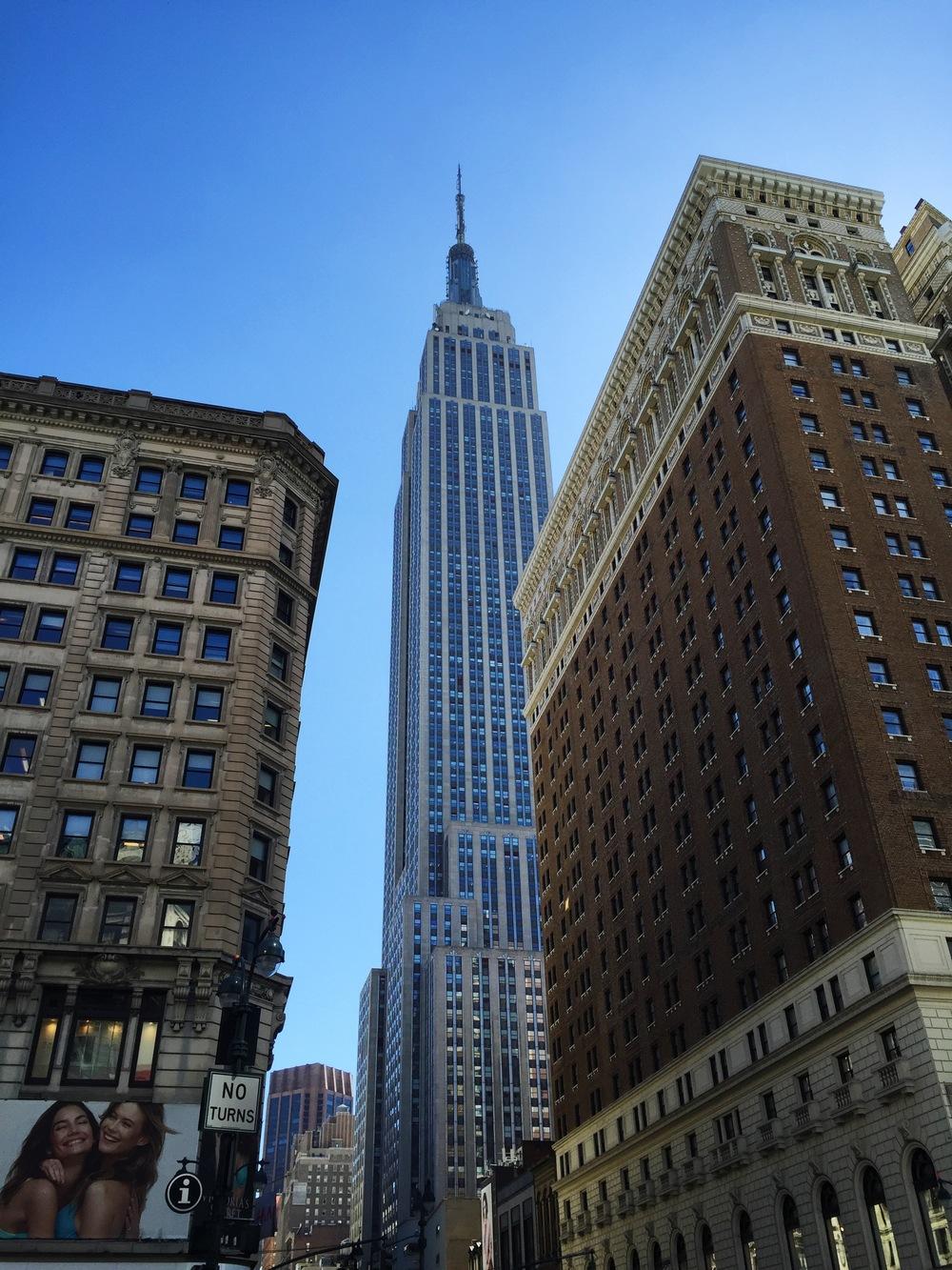 LaurenSchwaiger-Life-Style-Travel-Blog-NYC-Empire-State.jpg