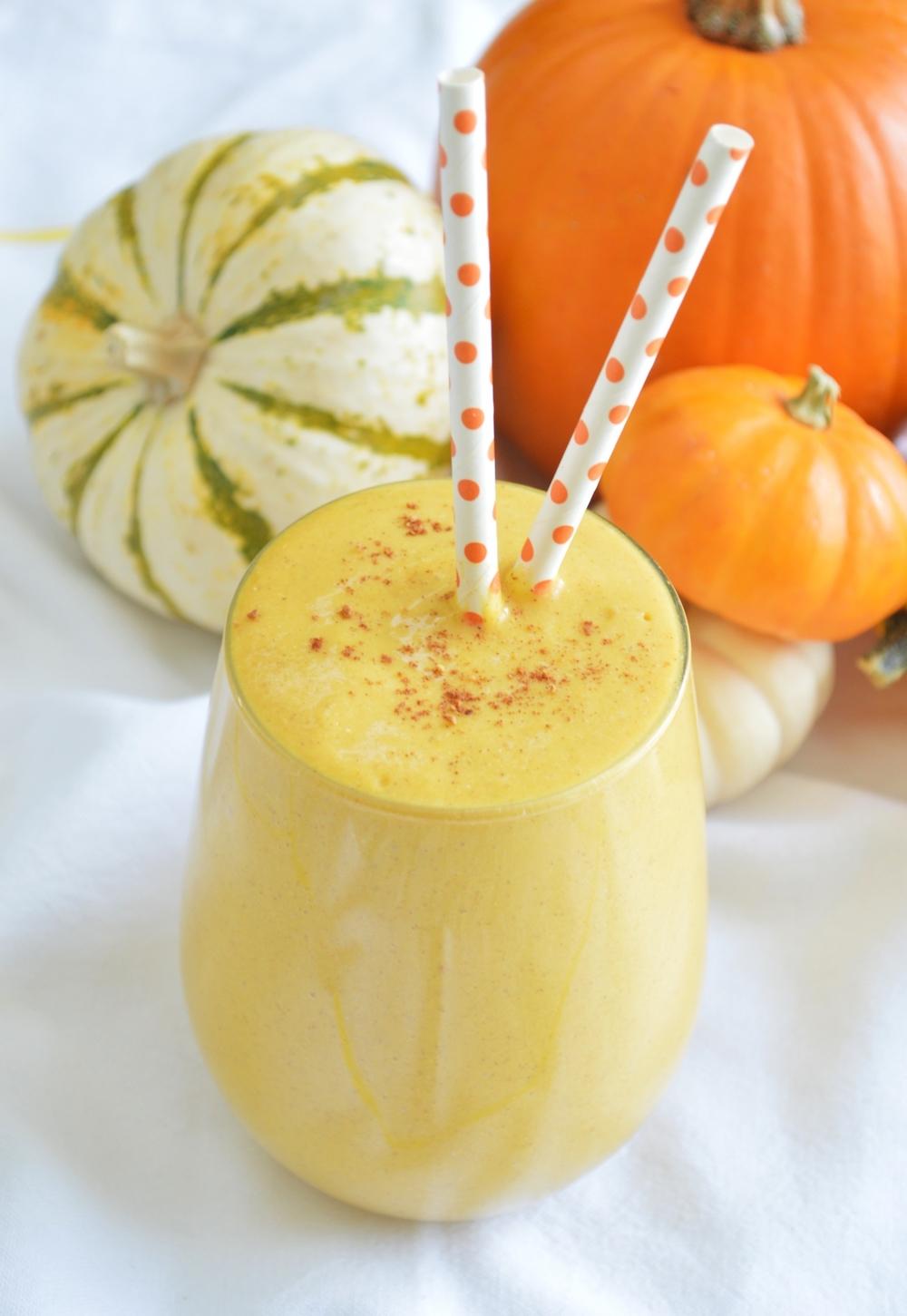 LaurenSchwaiger-Healthy-Life-Style-Blog-Quinoa-Pumpkin-Spice-Smoothie.jpg