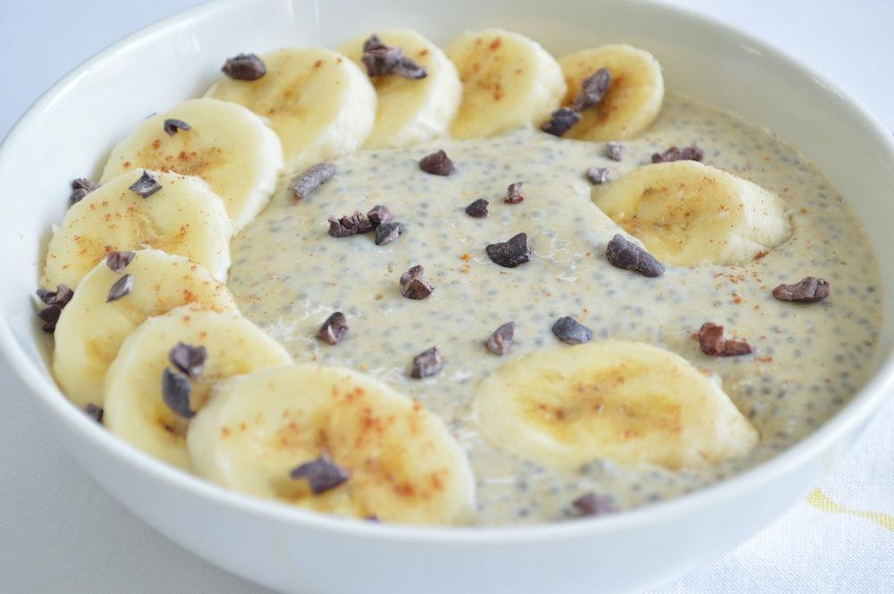 LaurenSchwaiger-Healthy-Life-Style-Blog-Banana-Pudding-Chia-Porridge.jpg