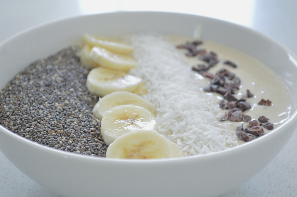 LaurenSchwaiger-Active-Life-Style-Blog-Vanilla-Banana-Smoothie-Bowl.jpg