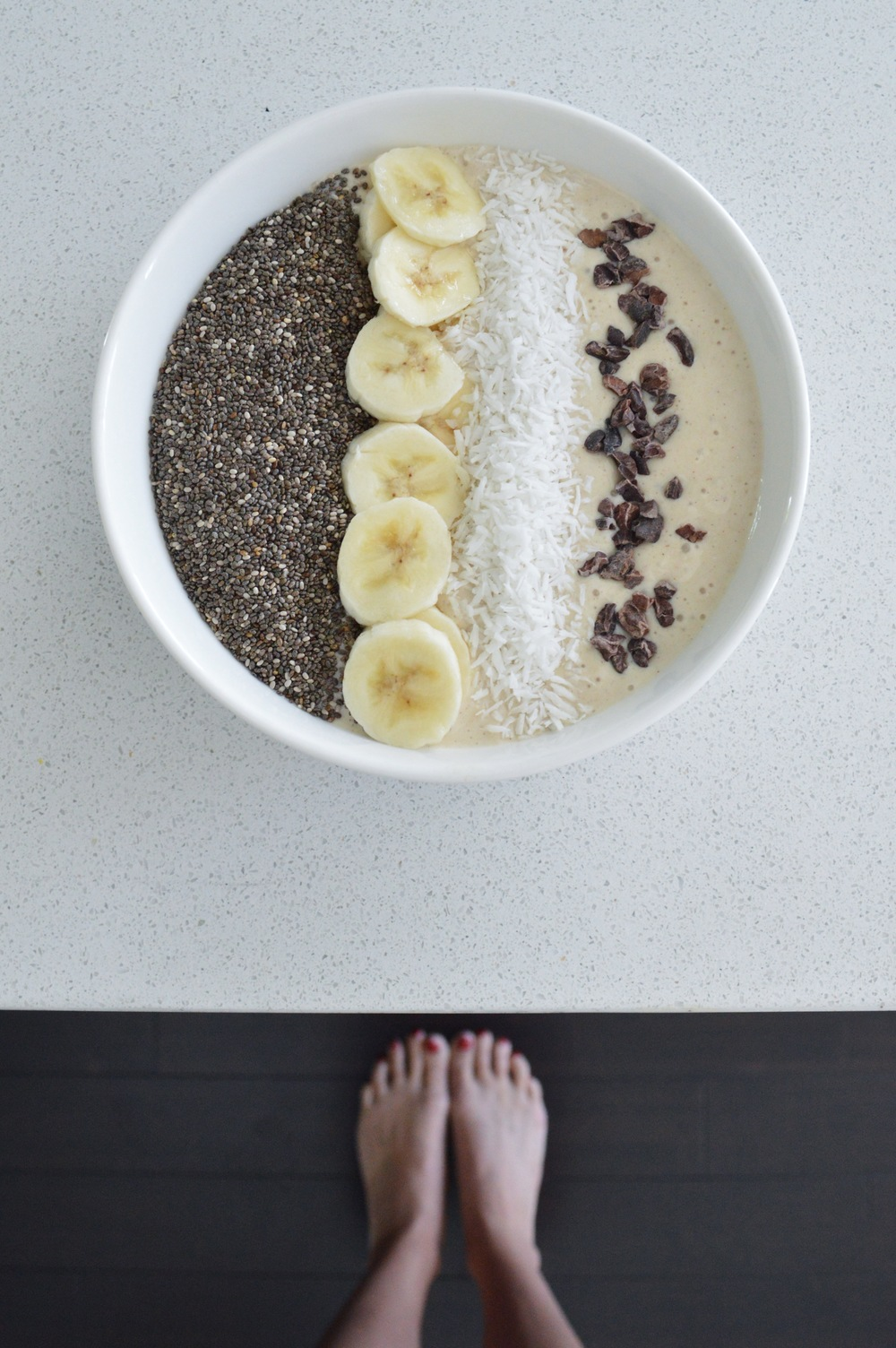 Vanilla-Banana-Smoothie-Bowl-LaurenSchwaiger-Healthy-Life-Style-Blog.jpg
