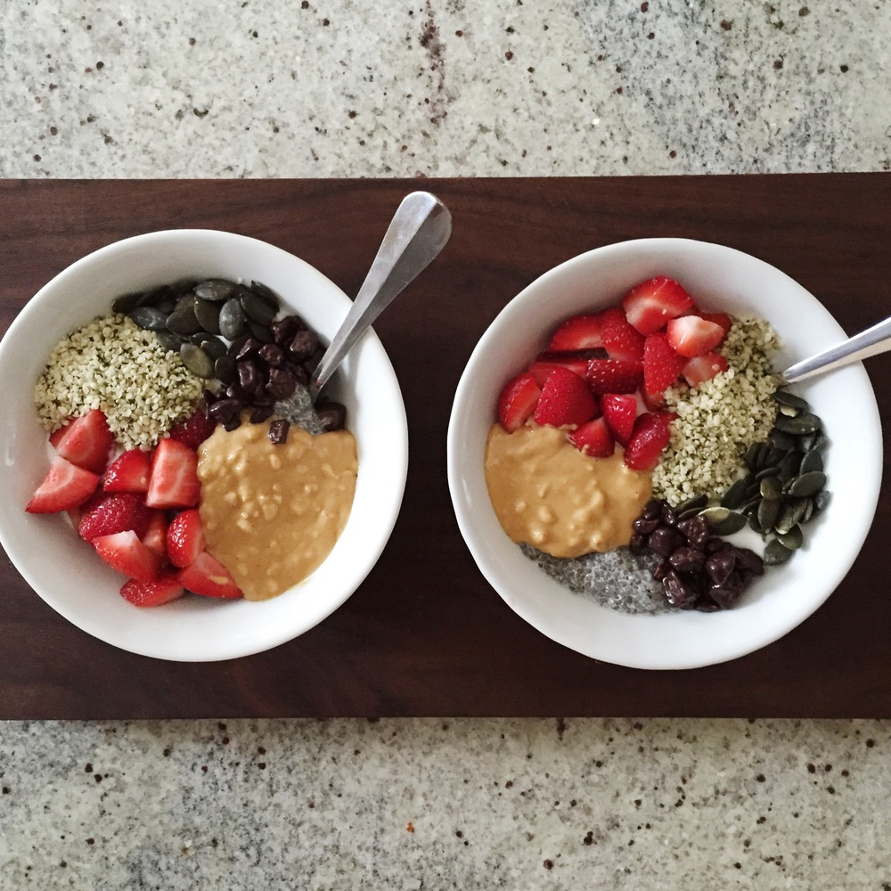 LaurenSchwaiger-Healthy-Life-Style-Blog-Superfoods-Breakfast-Bowls.jpg