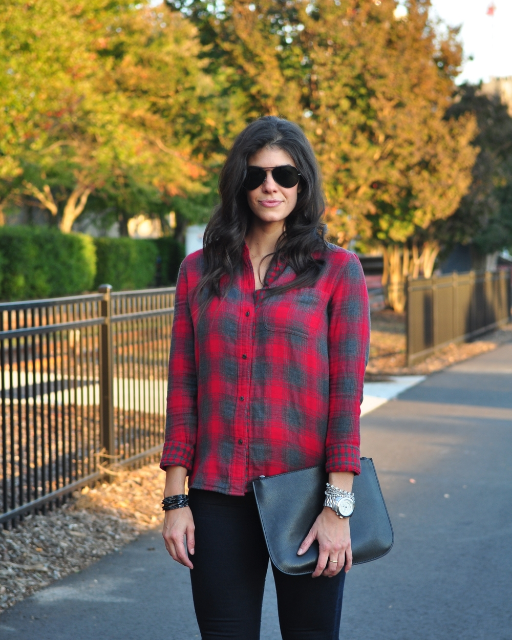 LaurenSchwaiger-Life-Style-Blog-Madewell-Plaid-Buttondown-Fall-Street-Style.jpg