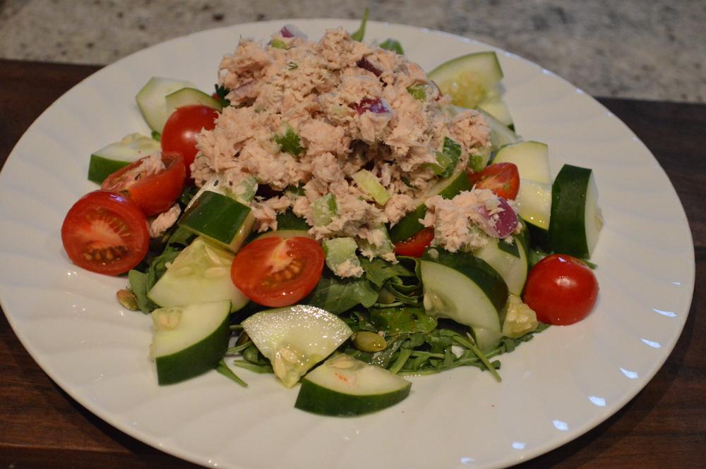 LaurenSchwaiger-Healthy-Life-Style-Blog-Salad.jpg