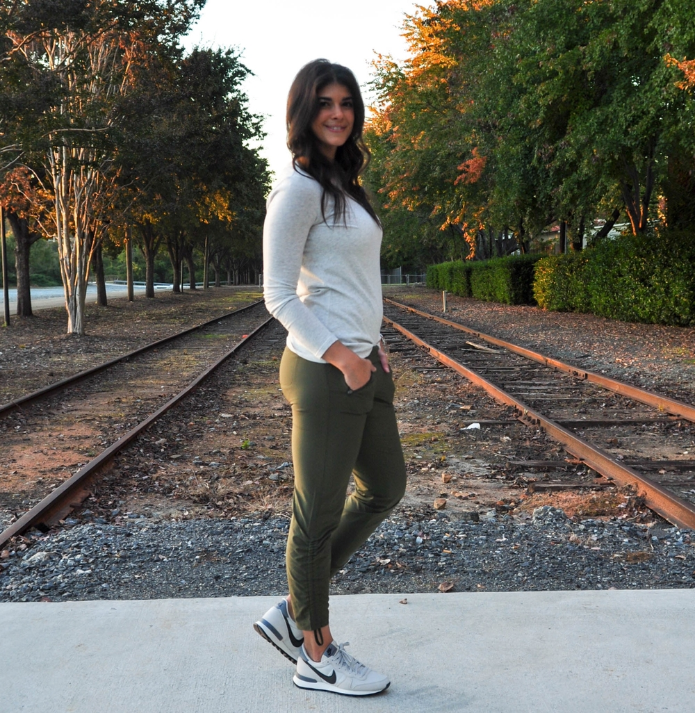 LaurenSchwaiger-Active-Life-Style-Athleta-Aspire-Ankle-Pant.jpg
