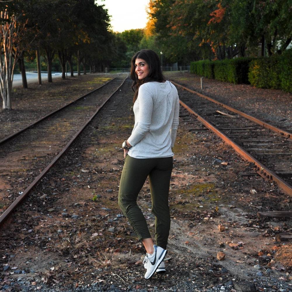 LaurenSchwaiger-Active-Life-Style-Blog-Aspire-Ankle-Pant-Athleta.jpg