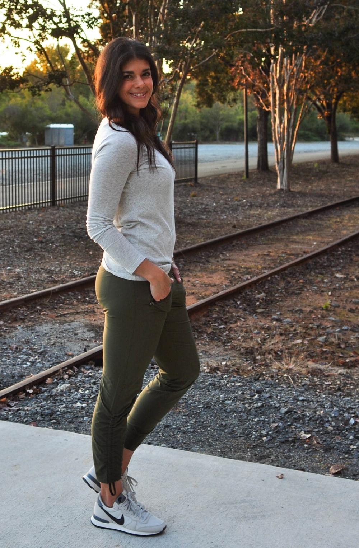 LaurenSchwaiger-Active-Life-Style-Blog-Athleta-Fall-Street-Style.jpg