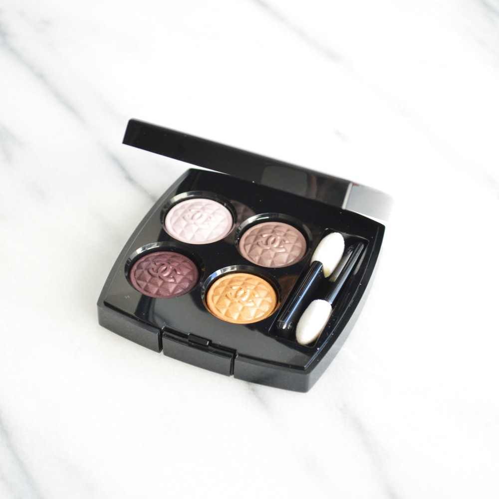 Laurenschwaiger-life-style-blog-chanel-holiday-vamp-ombres-eyeshadow.jpg