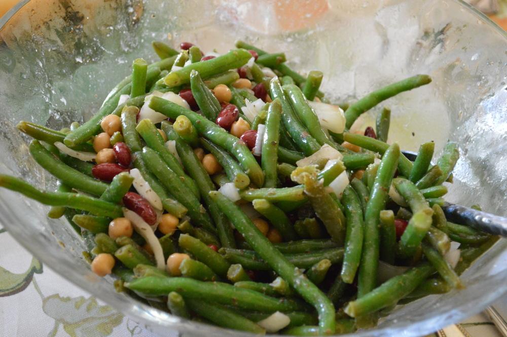 Laurenchwaiger-life-style-blog-thanksgiving-2015-three-bean-salad.jpg