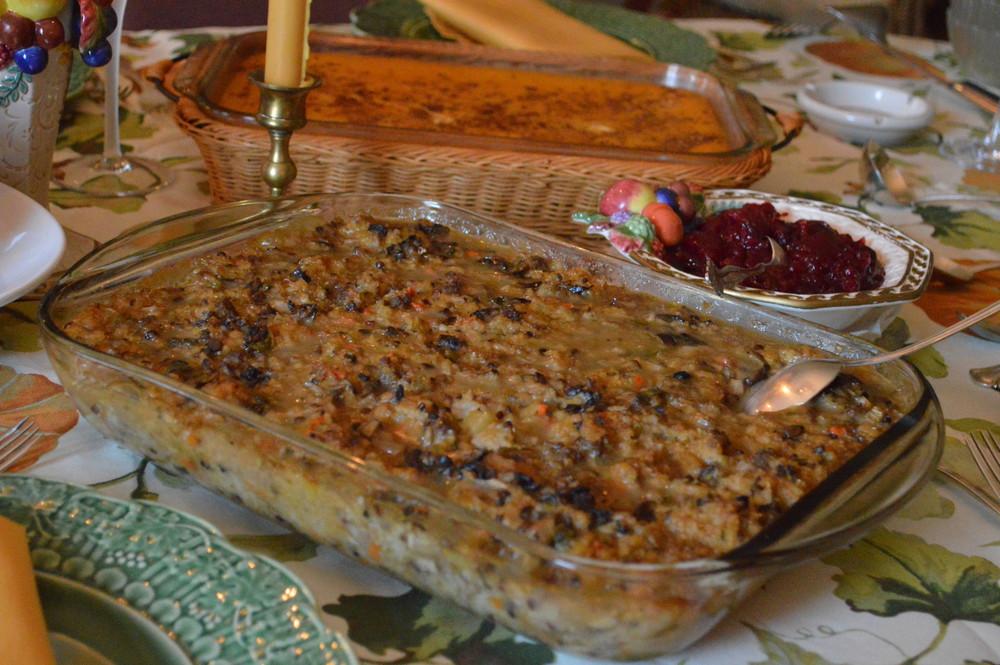 LaurenSchwaiger-Life-Style-Blog-Thanksgiving-2015-Mom's-Stuffing.jpg