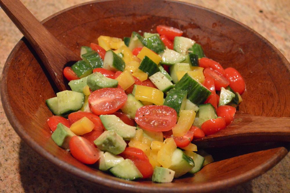 LaurenSchwaiger-healthy-life-style-blog-chunky-salad.jpg