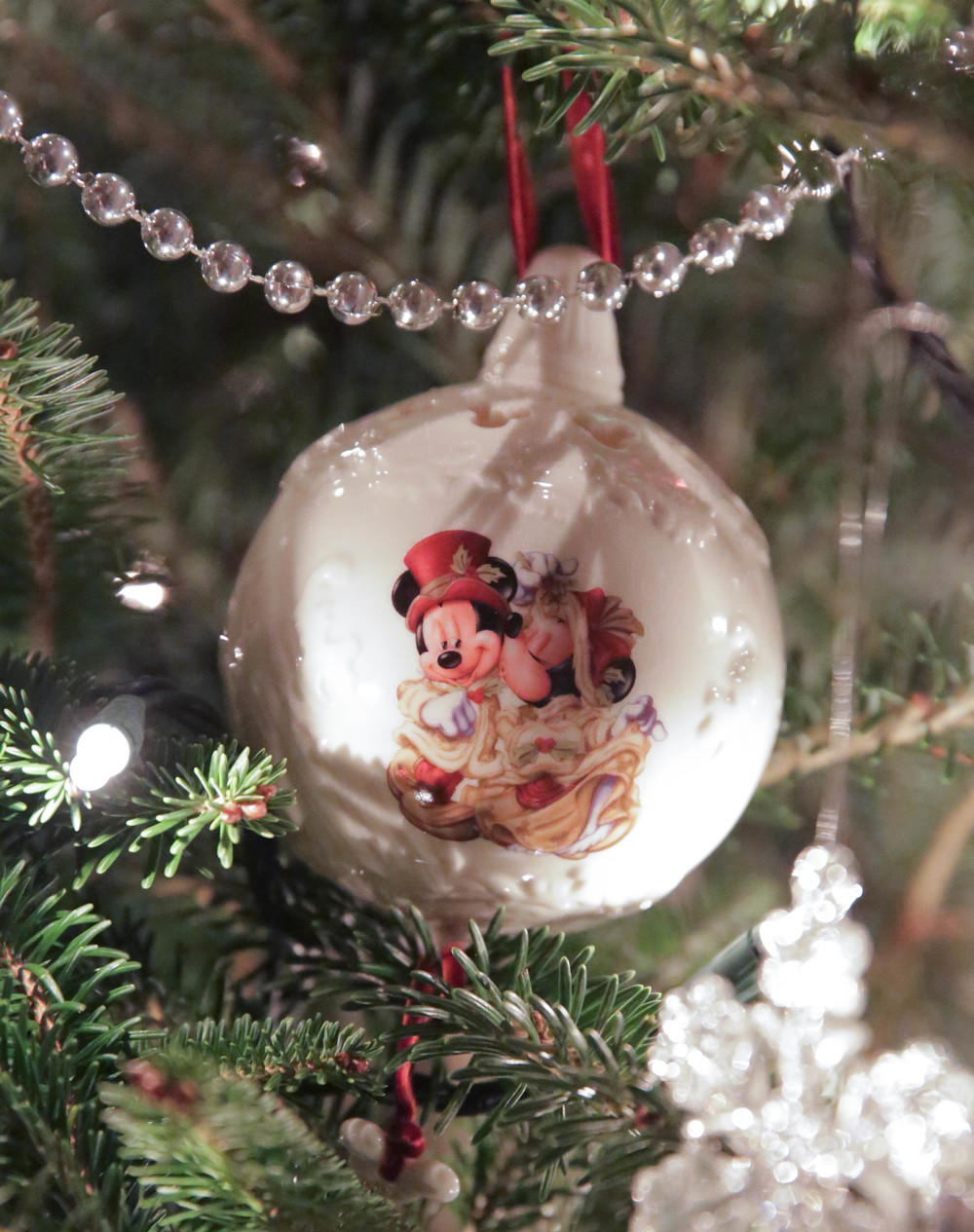 LaurenSchwaiger-Life-Style-MInnie-Mickey-Christmas-Ornament.jpg